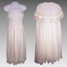 Wedding Peignoir Lingerie MCM Nightgown Set by Eye Ful Size 32 Small White Lacy Nightgown Robe Set