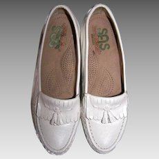 Women's Size 6.5 White Leather Loafers SAS Moccasins Slip On