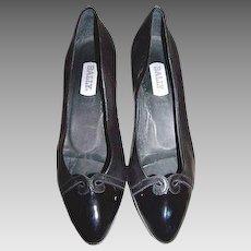 Women's Size 9 Shoes Black Bally Italian Leather Kitten Heel Cap Toe Pumps