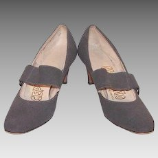 Women's Size 7 Narrow Shoes Grey Nubuck Suede Hammered Buckles