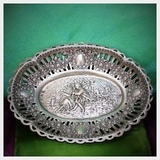 800 Silver Candy Dish With Romantic Sprays of Roses and 2 Couples in Love 6.75 Inches 130 Grams