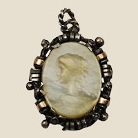 Genuine Victorian 900 silver, gold & mother of pearl cameo