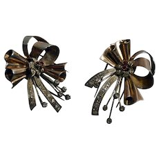 1930s Couple of Art Deco 900 silver gold plated with clear & red rhinestones dress clip
