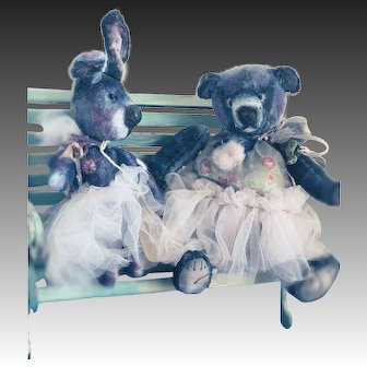 Rabbit Liat and Bear Dvora are two  friends forever and ever ,cannot be separated for more then 1 minute..