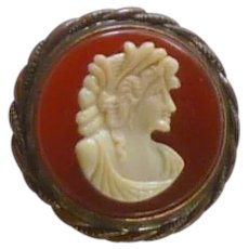Celluloid Cameo Gold Tone Pin 1930