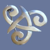 Celtic Knot Silver Tone Pin