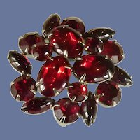 Weiss Cluster Red Jelly Belly Pin Brooch