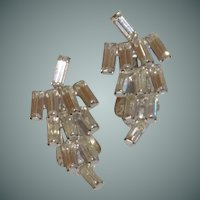 1950's Diamond Rhinestone Clip on Earring