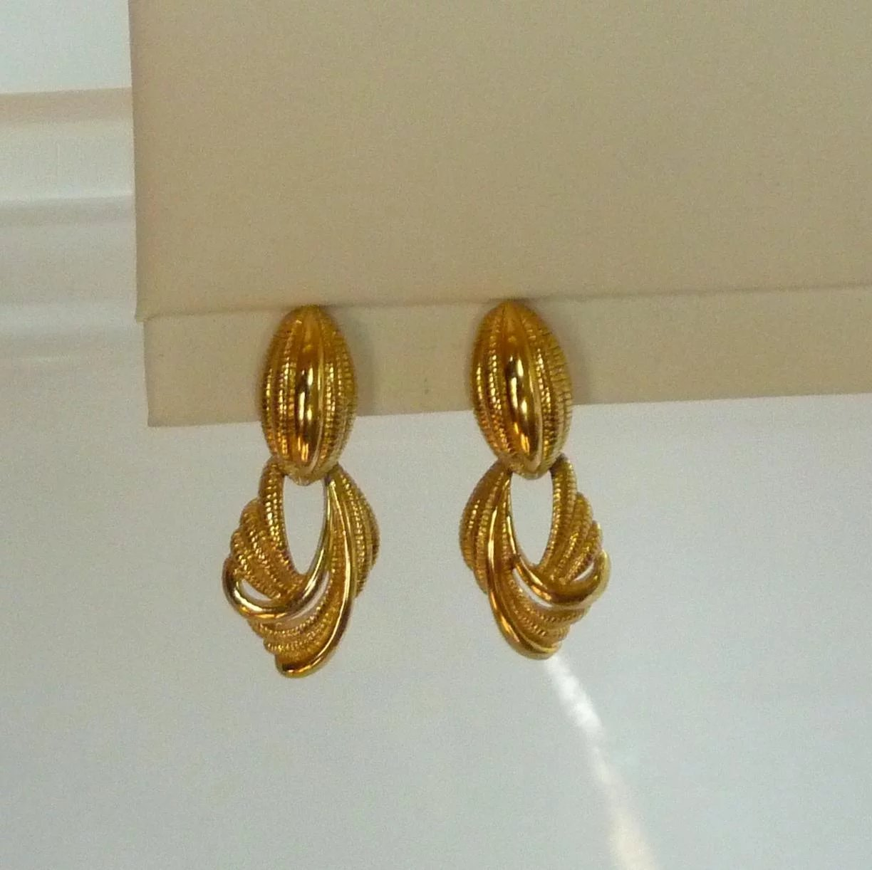 Monet Clip On Dangle Earrings Gold Tone Click To Expand