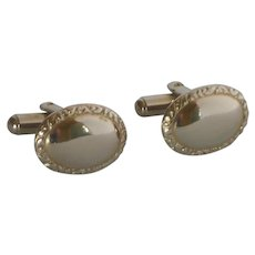 Ladies Gold Tone Oval Cufflinks Cuff Links
