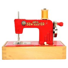 1945 KAYanEE, SEW MASTER Child's Sewing Machine. Made in Berlin Germany