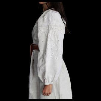 Vintage dress vyshyvanka white on white hemp 1910S, excellen tcondition, S-L