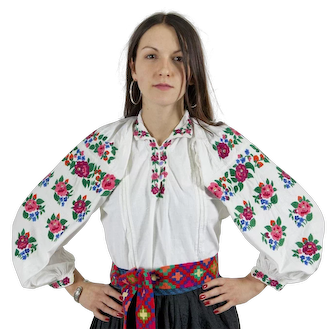 Bright floral vintage blouse vyshyvanka 100% hemp, excellent condition S-L