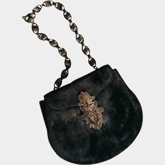 Stunning velours Bag with gold chain