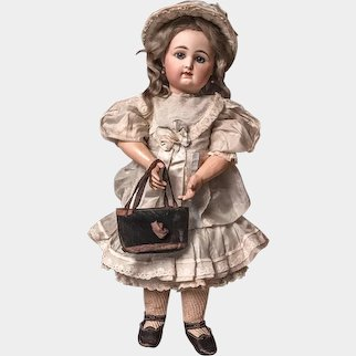 Lovely Antique Velours Bag for doll