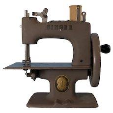 Vintage Singer Hand Crank Child's Sewing Machine