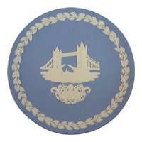 1975 Wedgwood Christmas Plate - Tower Bridge