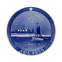 1935 Royal Copenhagen Christmas Plate