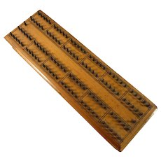 De La Rue Hedgehog Cribbage Board