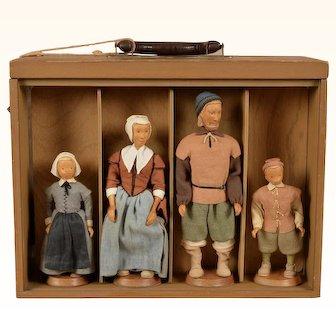Rare Set of 8 Beautifully Carved Wood Frances Bringloe Pilgrim Family of 1620