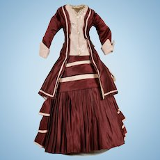 Gorgeous Burgundy Dress for French Fashion
