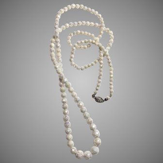Vintage Venetian art déco one strand ivory-white glass faceted bead necklace upscale jewelry aurora borealis
