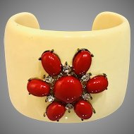 Bakelite vintage cuff bracelet with red stone