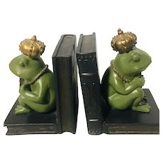 Pair of Superior Green frogs bookends