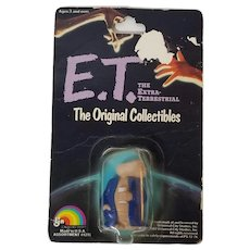 E.T. The Extra-Terrestrial The Original Collectibles 1982, Sealed E.T. Figure In Bathrobe