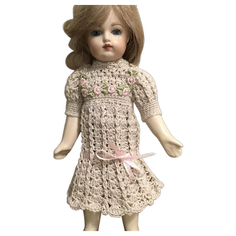 "Vintage crocheted dress for app 10"" doll"