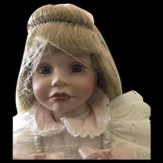 "Vintage Hamilton Collection doll 18"""