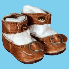 Small Leather Bebe Shoes with Leather Buckle, 1.3 inches