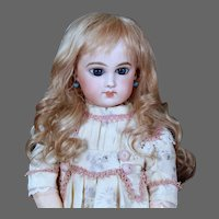 Gabrielle size 8 ~ Antique-Style Medium Blond Mohair Wig