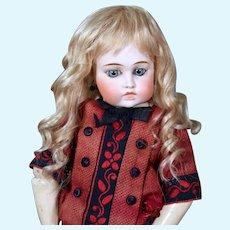Gabrielle size 6-7 ~  Antique-Style Medium Blond Mohair Wig