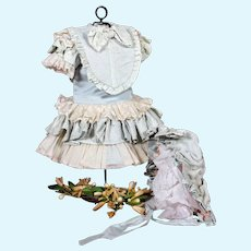 "Quality French Bebe Dress with Matching Bonnet for 18-19"" Doll"