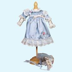 "Light Blue Smock with Bonnet for 11-12"" Doll"