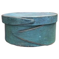 "Early 1800's Shaker Style 2-Finger Round Blue Turquiose Pantry Box 5"" Diameter Fantastic Miniature Box"