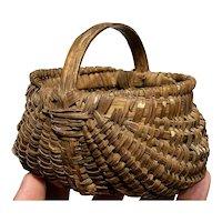 """Exceptional Early Antique Primitive Split Oak Miniature Brown Basket 4"""" Diameter"""