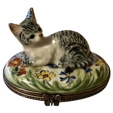 Pretty Limoges Trinket Box Gray Striped Tabby Cat