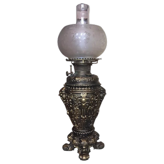 Bradley and Hubbard Banquet Oil Lamp with Etched Shade