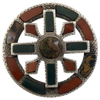 Victorian Scottish Sterling and Agate Brooch