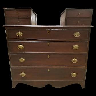 1820's Hepplewhite Chest of Drawers