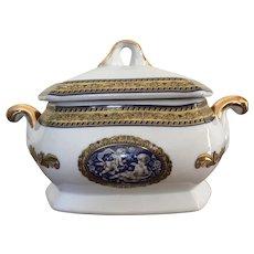 Belle Époque Fine Porcellana covered bowl with cherubs