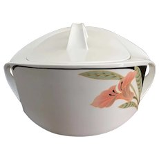 Villeroy & Boch covered vegetable bowl