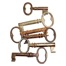 Antique Skeleton Keys, Collection of 6 old keys Iron and Metal