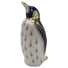 Royal Crown Derby Porcelain Penguin Paperweight NO box dated 1987.