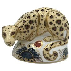 Royal Crown Derby Porcelain Savannah Leopard Paperweight with box, certificate dated 1999.