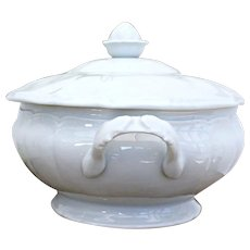 White porcelain lidded tureen - Limoges