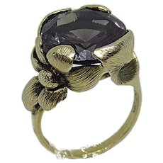 10K Yellow Gold Floral Designed Purple Stone Ring Size 6 1/2