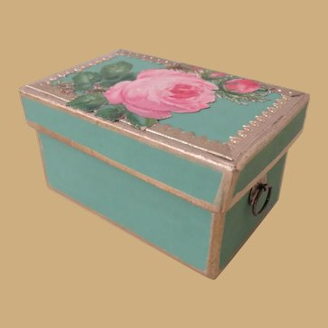 Darling Little Huret Green Box
